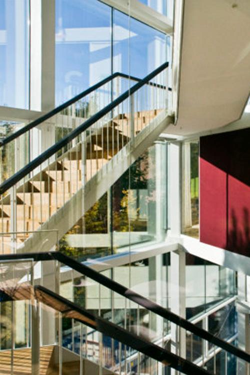 High Performance Institute, HPI