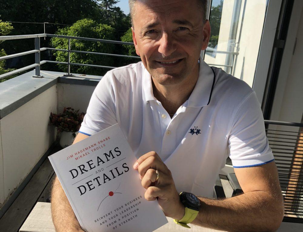 Dreams and details er udkommet på engelsk – Læs mere og køb den her